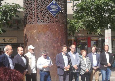 Placa Arturo Ruiz homenaje