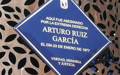 MADRID DEDICA UNA PLACA A ARTURO RUIZ